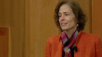 Barbara Meyer giving a talk