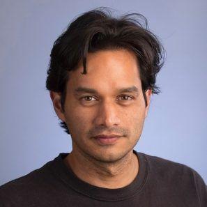Headshot of professor Rhiju Das