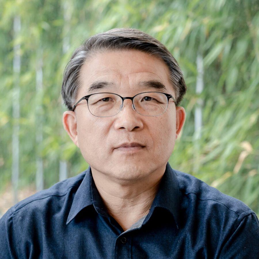 Myeong-Je Cho