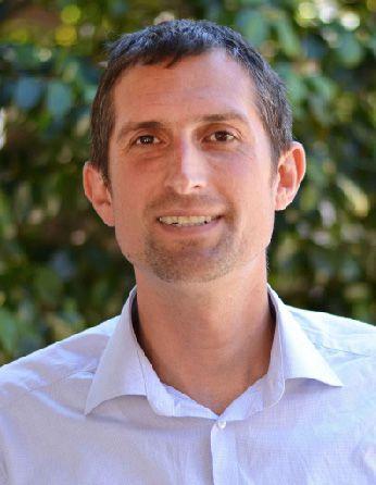 A headshot of professor Matthew Potts