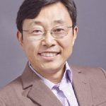 A headshot of professor Sheng Luan