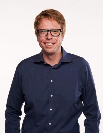 Headshot of professor Luke Gilbert