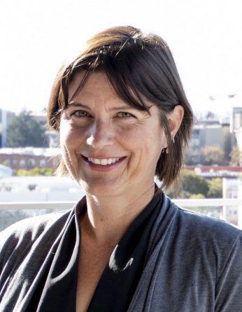 Headshot of Melanie Leavitt Cantarutti