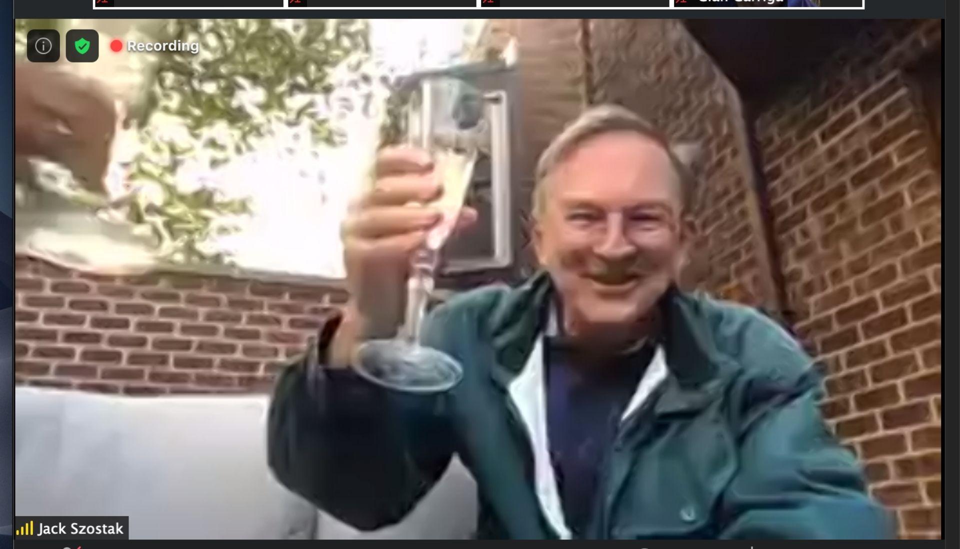 Jack Szostak toasts Doudna at Nobel celebration